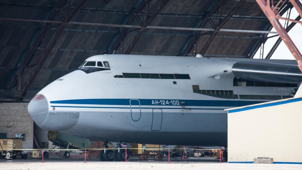 Антонов Ан-124-100, номер не известен